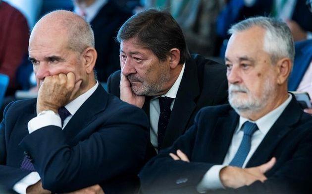Chaves, Javier Guerrero y Griñán, durante la lectura del informe de la fiscalía en el juicio de los