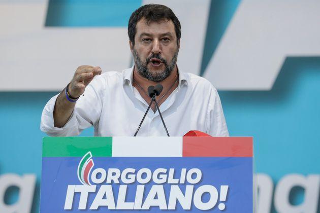 Salvini condanni i neofascisti, basta ambiguità sulla galassia