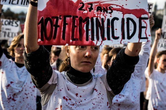 Rassemblement à Lyon pour dénoncer les féminicides, le 9 novembre