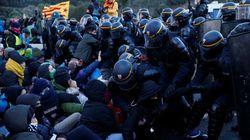 Los manifestantes cortan la AP-7 en Girona y colapsan la frontera con Francia en