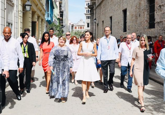 La reina Letizia de paseo por La