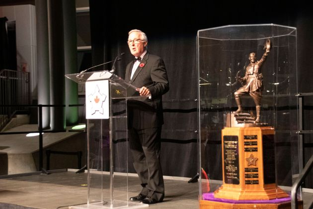Former CSIS director Richard Fadden accepts the Conference of Defence Associations Institute's 29th Vimy...