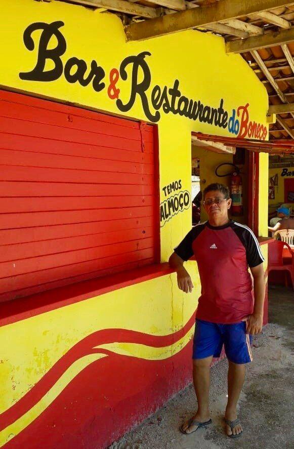 João Batista da Silva, o Boneco, não tem vendido peixe no bar e viu o movimento diminuir mais de 60%...