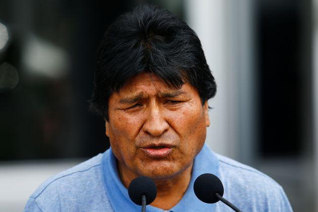 Evo Morales fala durante sua chegada ao México, que concedeu asilo político após...