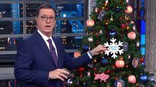 Colbert ist Urkomisch Trump Anklage der Baum verfügt über Ein Sehr NSFW Ornament