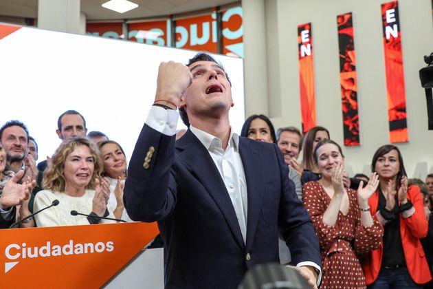 El presidente de Ciudadanos, Albert Rivera, durante su comparecencia este lunes en la sede del partido,...