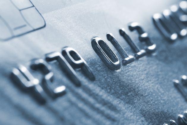 Υποχρεωτικές ηλεκτρονικές συναλλαγές: Ποιοι κινδυνεύουν με υψηλό