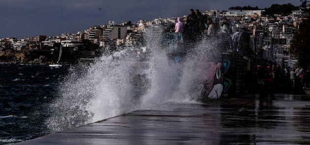 Κύματα στη Μαρίνα