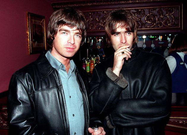 Os irmãos Liam e Noel Gallagher formaram o Oasis em Manchester em