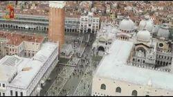 Venezia ferita vista dall'alto: il video dall'elicottero della