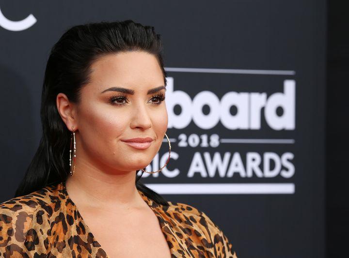 Demi Lovato arrives at the 2018 Billboard Music Awards.