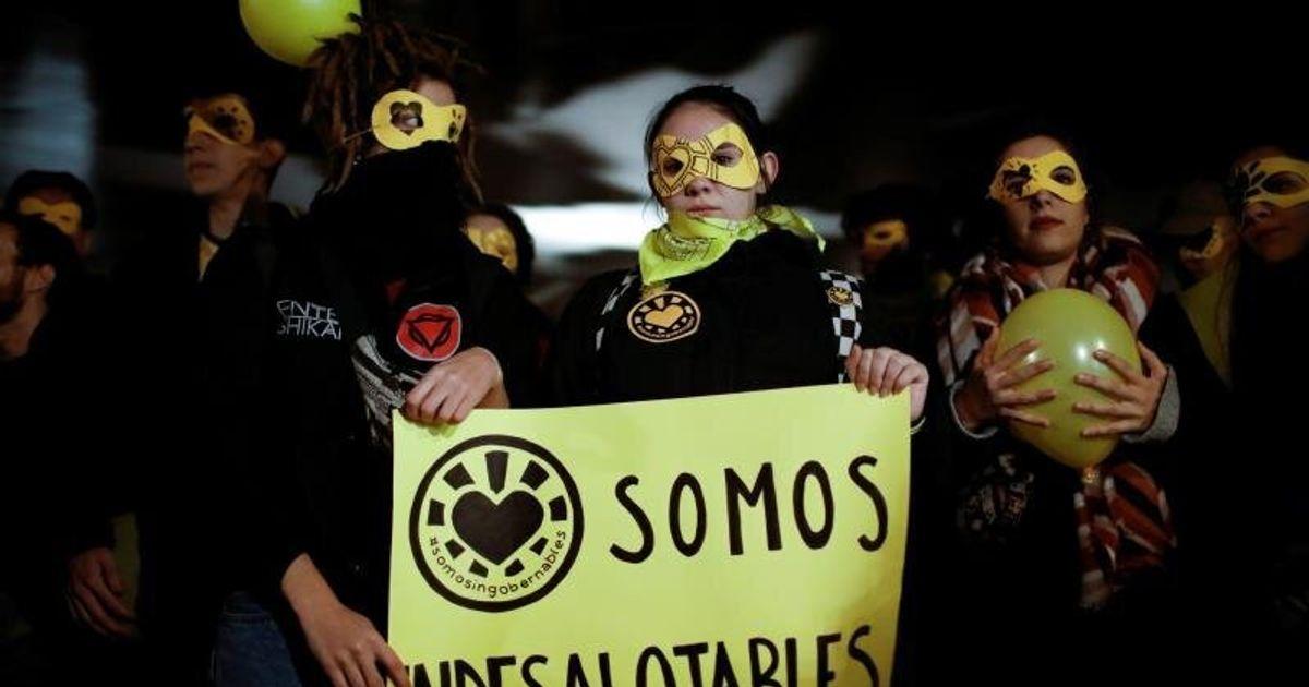 """""""Menos policía y más centros sociales"""": centenares de personas se concentran en Madrid contra el desalojo de 'La Ingobernabl"""