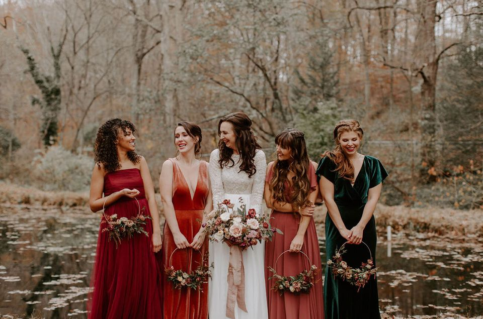 17 Gorgeous Photos Of Bridesmaids Rocking The Velvet Dress Trend ...