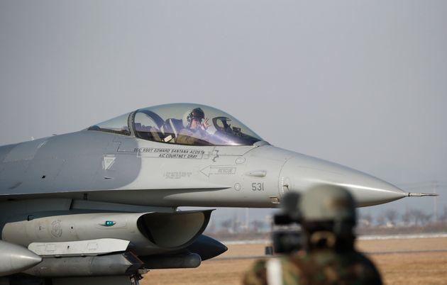 마크 에스퍼 미국 국방장관, '북한과 대화 위해 군사훈련 조정