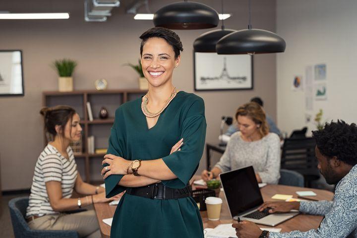 Τι θα πρέπει να προσφέρει η εργασία ώστε να αισθανόμαστε ότι δουλεύουμε αξιοπρεπώς;