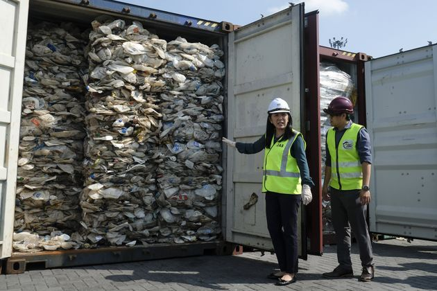 Une entreprise française qui envoyait ses déchets en Malaisie condamnée (et c'est...