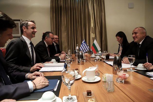 Μητσοτάκης σε Ζάεφ: Εφαρμογή της συμφωνίας των Πρεσπών για να έχει ευρωπαϊκή προοπτική η