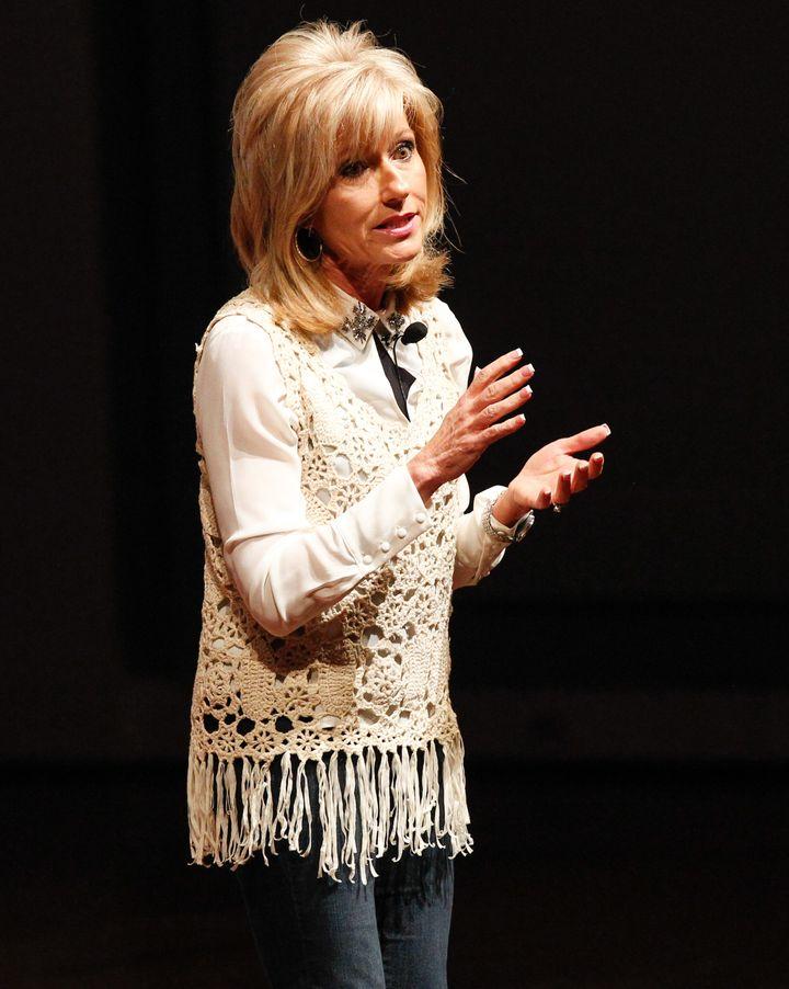 Evangelist Has Powerful Response To Claim That Women Shouldn't Preach