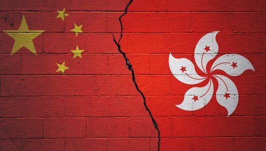 「目隠しされ暴行受けた」中国に拘束された在香港イギリス総領事館職員が証言