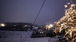 Trafic SNCF perturbé, 300.000 foyers privés d'électricité... La neige sème la pagaille dans le