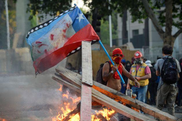 Depuis près d'un mois, le Chili est en proie à une violente contestation populaire. En...
