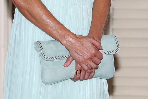 Doña Letizia, con el anillo durante el viaje oficial a