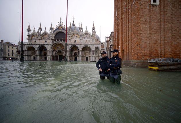 Venezia, diciamo basta prima che a farlo sia