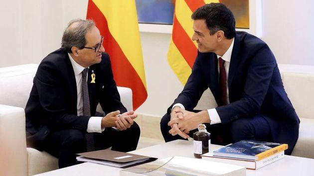 El presidente del Gobierno, Pedro Sánchez, y el 'president' de la Generalitat, Quim Torra, en La Moncloa...