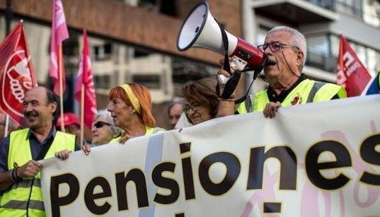 El Gobierno saca casi 3.600 millones de la hucha de las pensiones y 600 del Tesoro para la extra de
