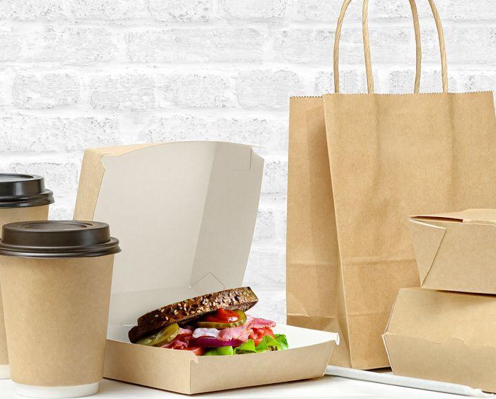 Αφαιρούμε όλα τα υπολείμματα τροφίμων από τις συσκευασίες πριν τις πετάξουμε στον μπλε κάδο.