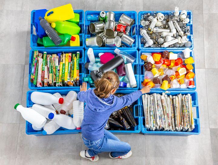 Διαχωρισμός υλικών για ανακύκλωση.