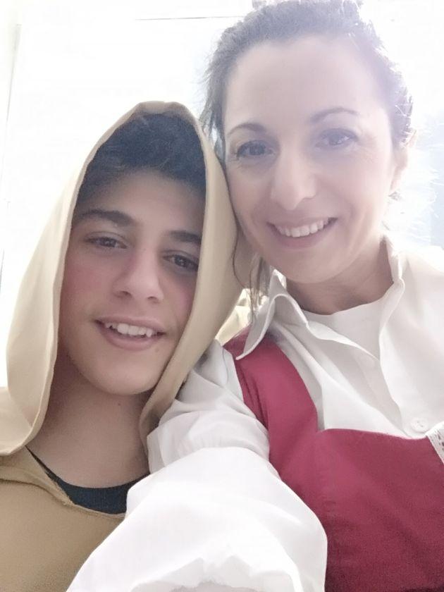 Ο Πέτρος με τη μητέρα