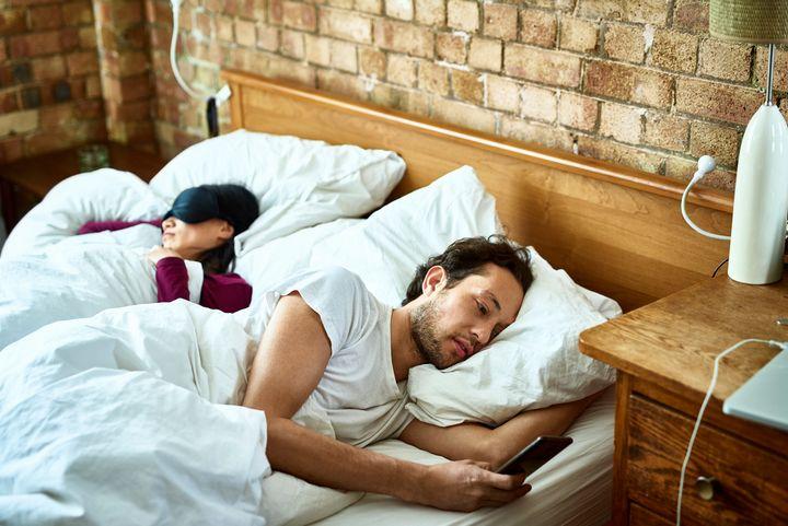 <i>Proibir o celular no quarto &eacute; uma t&aacute;tica &uacute;til.</i>