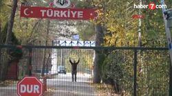 Un jihadiste américain, filmé alors qu'il était bloqué entre Turquie et Grèce, renvoyé aux