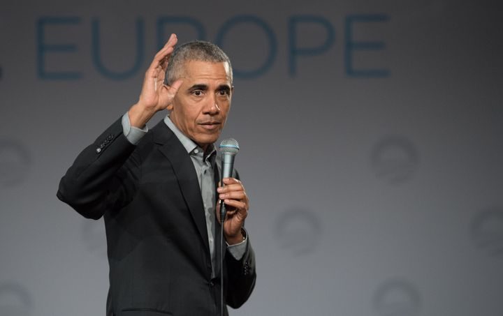 Former President Barack Obama has warned the Democratic field of White House hopefuls not to veer too far to the left.