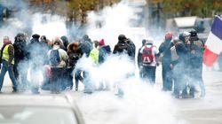 Tensioni e scontri a Parigi tra gilet gialli e polizia un anno dopo l'inizio della