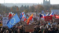 Πράγα: Μεγάλη διαδήλωση κατά του πρωθυπουργού και του προέδρου της