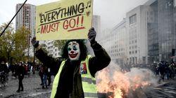 Joker, parapluies... les gilets jaunes s'inspirent des révoltes