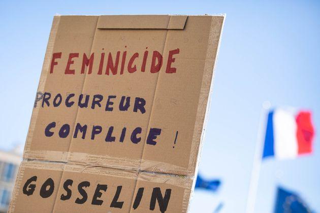Lors d'une manifestation au Havre le 18 septembre 2019, une pancarte accusant la justice de