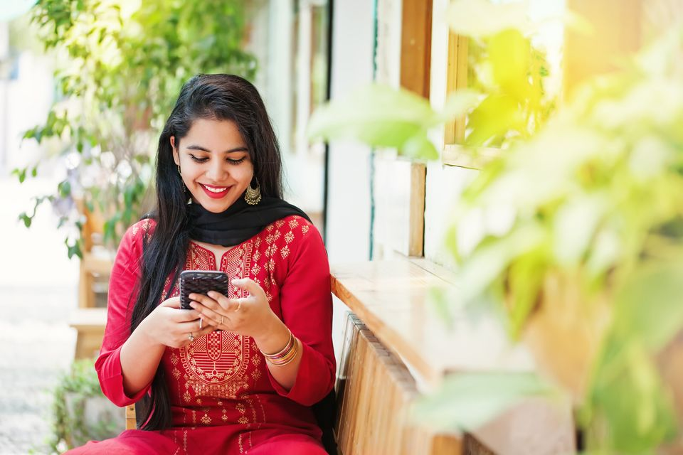 5 Reasons Why Married Indian Women Are Turning To Dating Apps