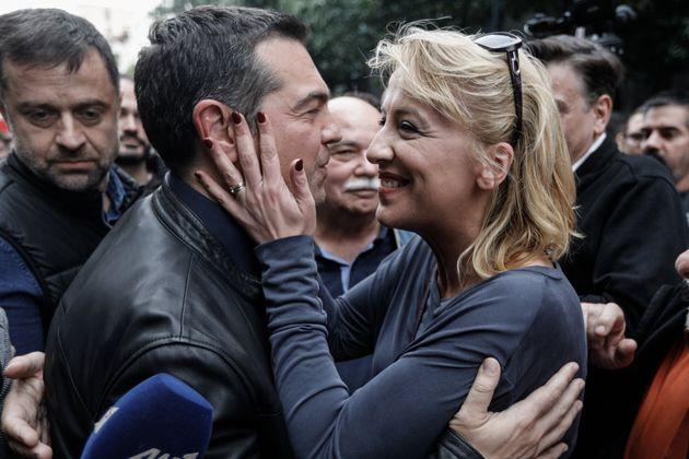 Ο πρόεδρος του ΣΥΡΙΖΑ Αλέξης Τσίπρας και η Ρένα Δούρου στην πορεία για την επέτειο του