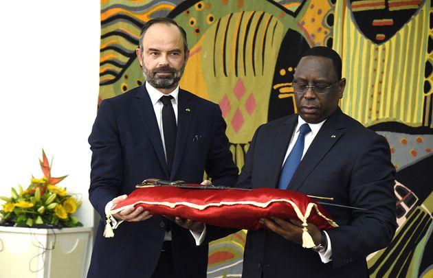 Édouard Philippe a remis à Macky Sall le sabre d'Omar Saïdou Tall, une très...