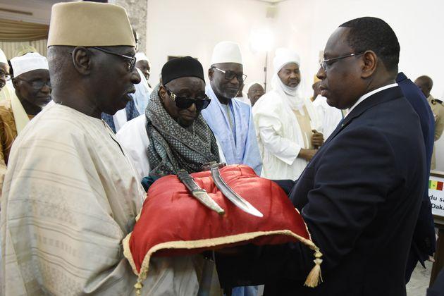A été remis à Macky Sall le sabre d'Omar Saïdou Tall, une très...
