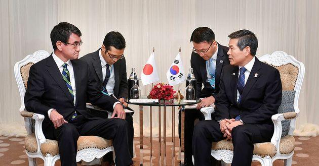 한국과 일본 국방장관이 만났고, 지소미아 논의에 별다른 진전은