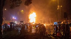 La Policía de Hong Kong detiene a 40 personas tras irrumpir en la Universidad