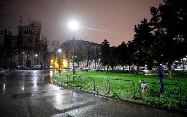 Lo spazio verde nei pressi di Piazza Benfica a Torino dove è stato ritrovato il