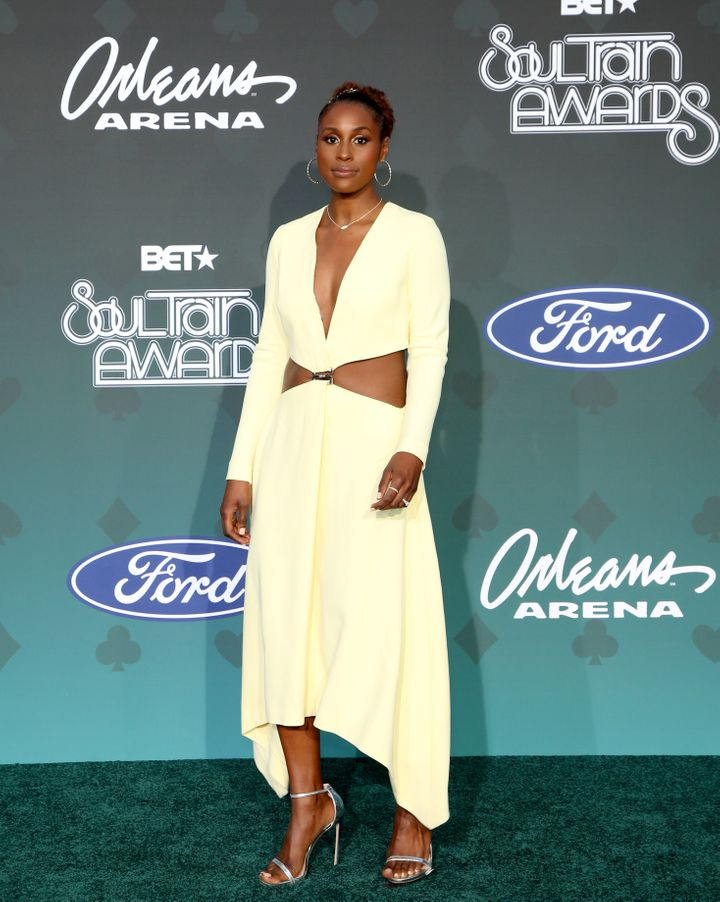 Actor and producer Issa Rae stood tall in a gorgeous midriff-baring outfit.