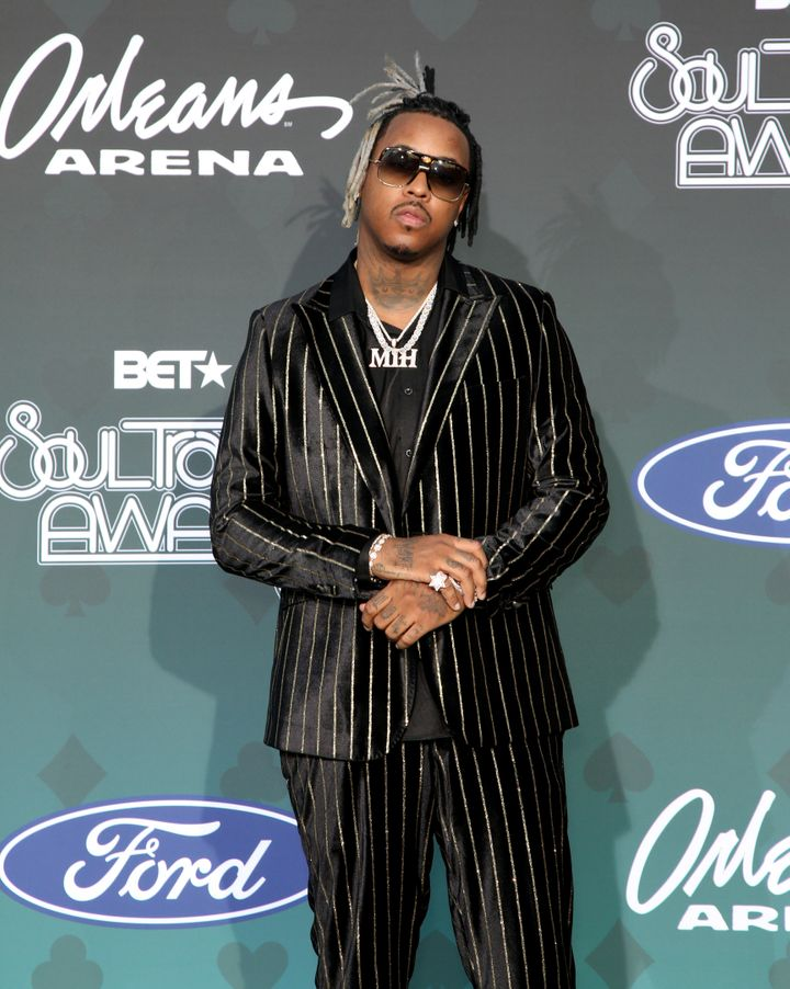 An evening in shimmering stripes suits rapper Jeremih perfectly.