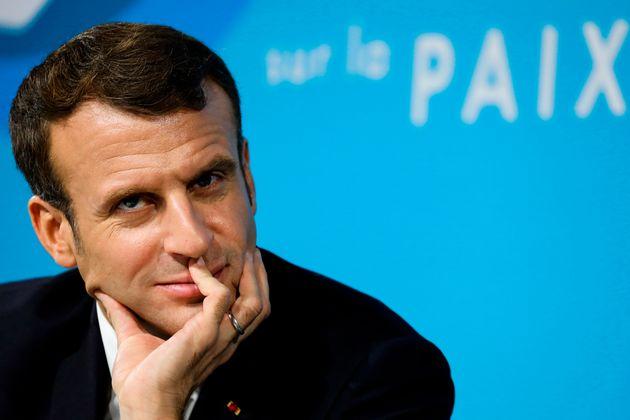 Emmanuel Macron à Paris lors du Forum sur la paix le 12