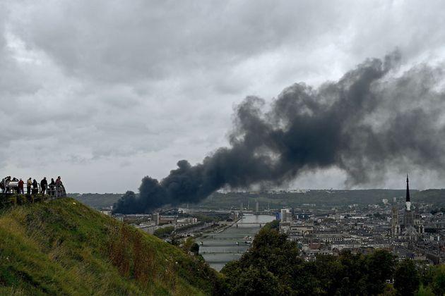 Lubrizol veut partiellement rouvrir avant la fin de l'année (photo de l'usine prise le 26 septembre...